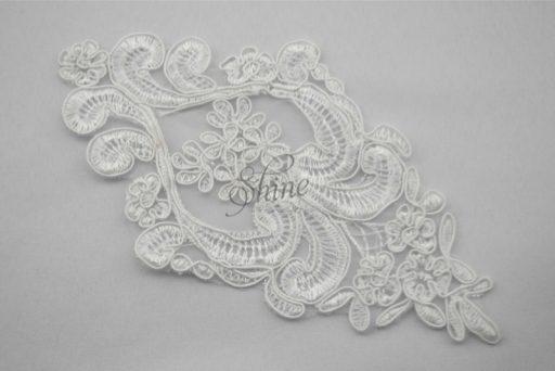 white lace motive