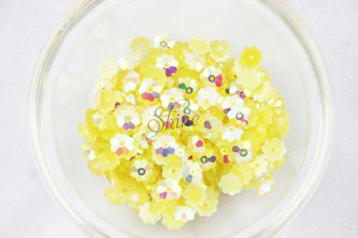 Plastic Flower Margarite Sew On Stones Lemon AB