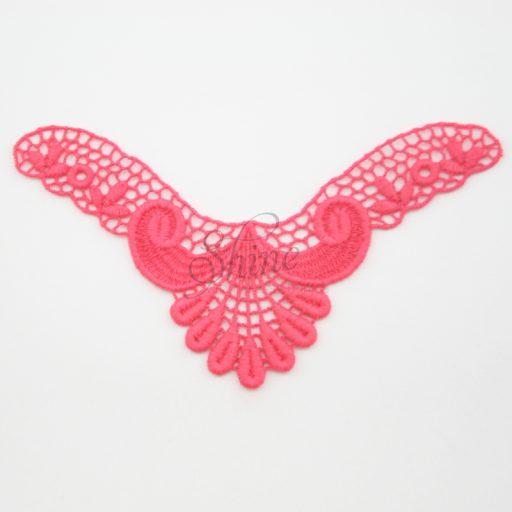 Small Art Deco 'V' Rosso Lace Motif