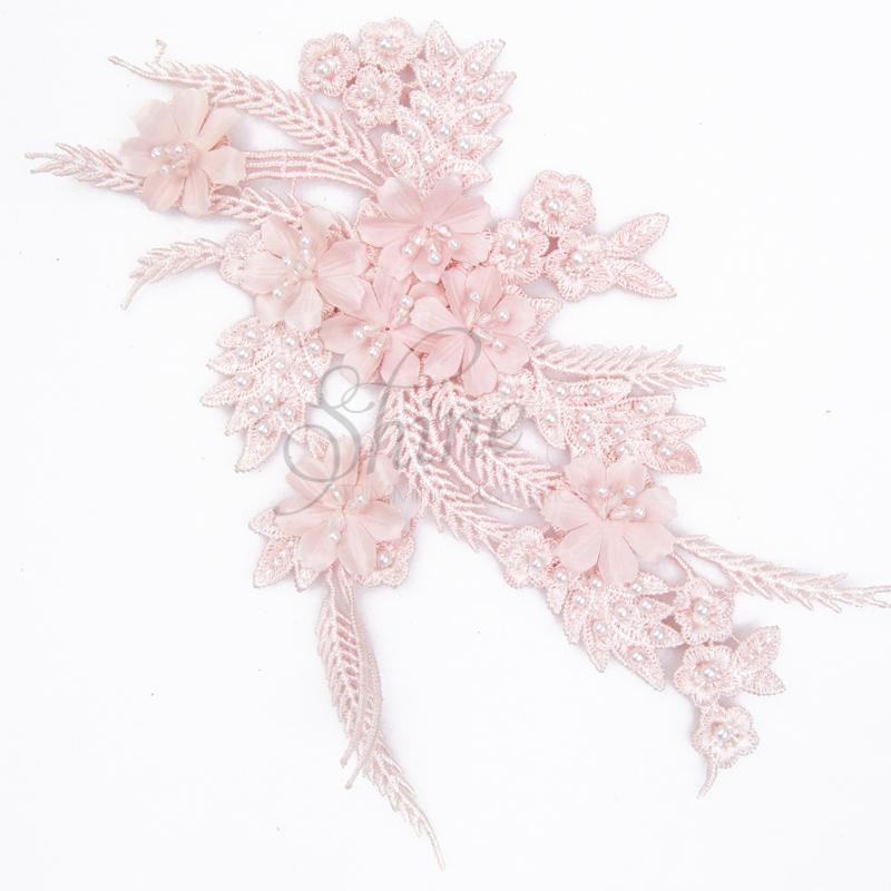 lace 3D motif pink