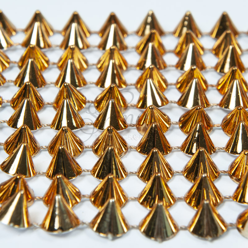 Pointed Cone Stud Trim